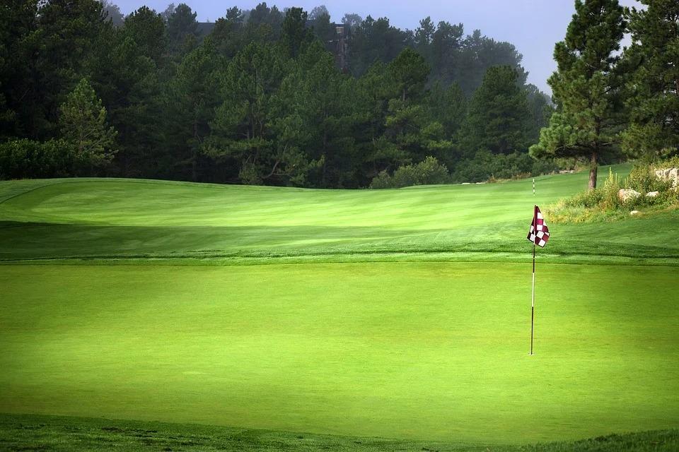golf-course-v