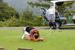 golfer-woman-ai