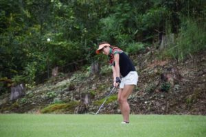 golfer-woman-shot-i